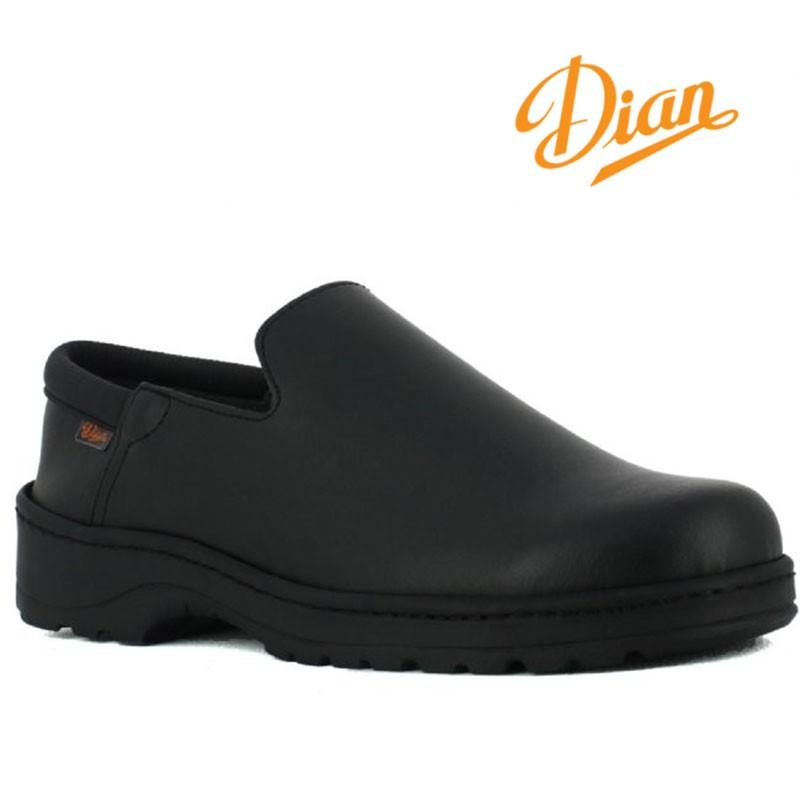 chaussure service en salle noire